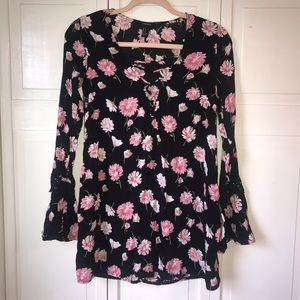 Forever 21 Black Long Sleeve Tunic, Floral, Small